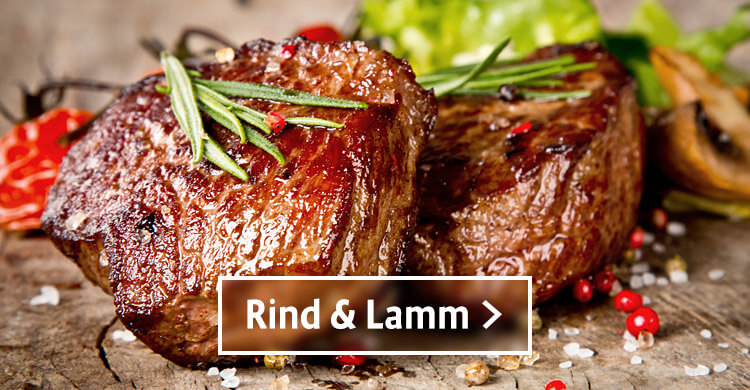 Rind und Lamm gebraten mit Rosmarin, rotem Pfeffer und groben Salz